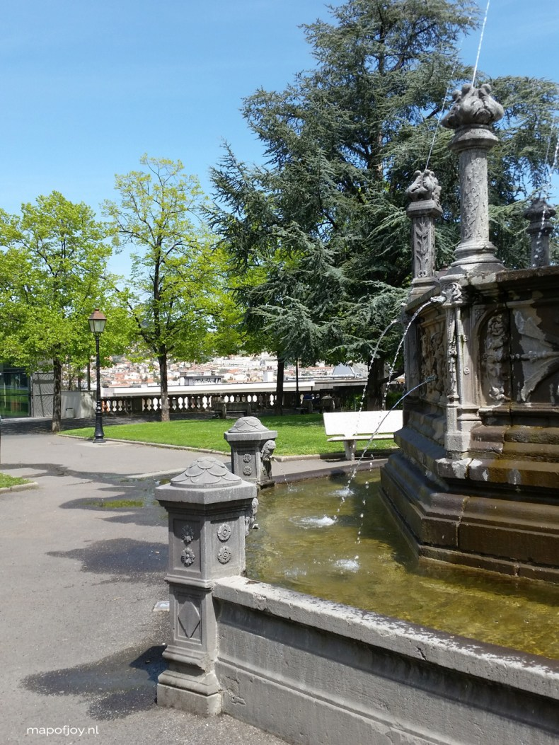 Square Blaise Pascal, Clermont-Ferrand, Auvergne, France - Map of Joy