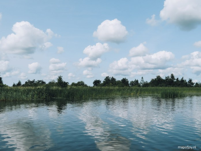 Alde Feanen, Friesland, met een bootje - Map of Joy
