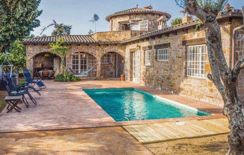 5x bijzondere vakantiehuizen aan de Costa Brava - Map of Joy