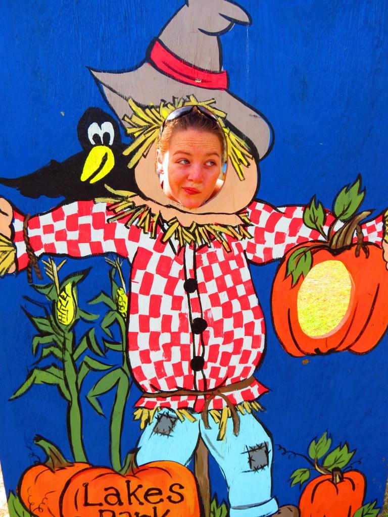 Deciding on my costume...a scarecrow perhaps??!