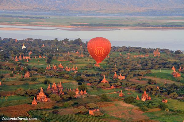 Jdombs-Travels-Bagan-Balloon-17