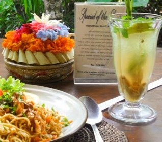 Flavors of Indonesia: Traditional Balinese Cooking Class in Ubud, Bali.