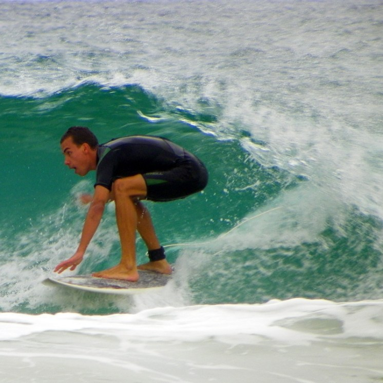 Great beginner and learn to surf beaches near Perth, WA