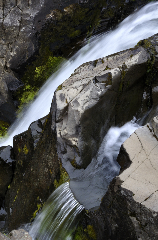 Do not miss Svartifoss; a strikingly beautiful waterfall framed by hexagonal granite, falling against a contrasting backdrop of pitch black basalt columns.