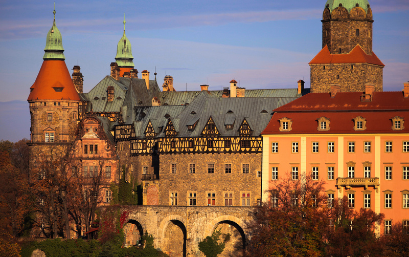 Książ Castle, the third largest castle in Poland, is located on a majestic rock cliff by the side of the Pelcznica River.