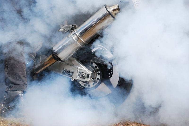 Burnout hoon car