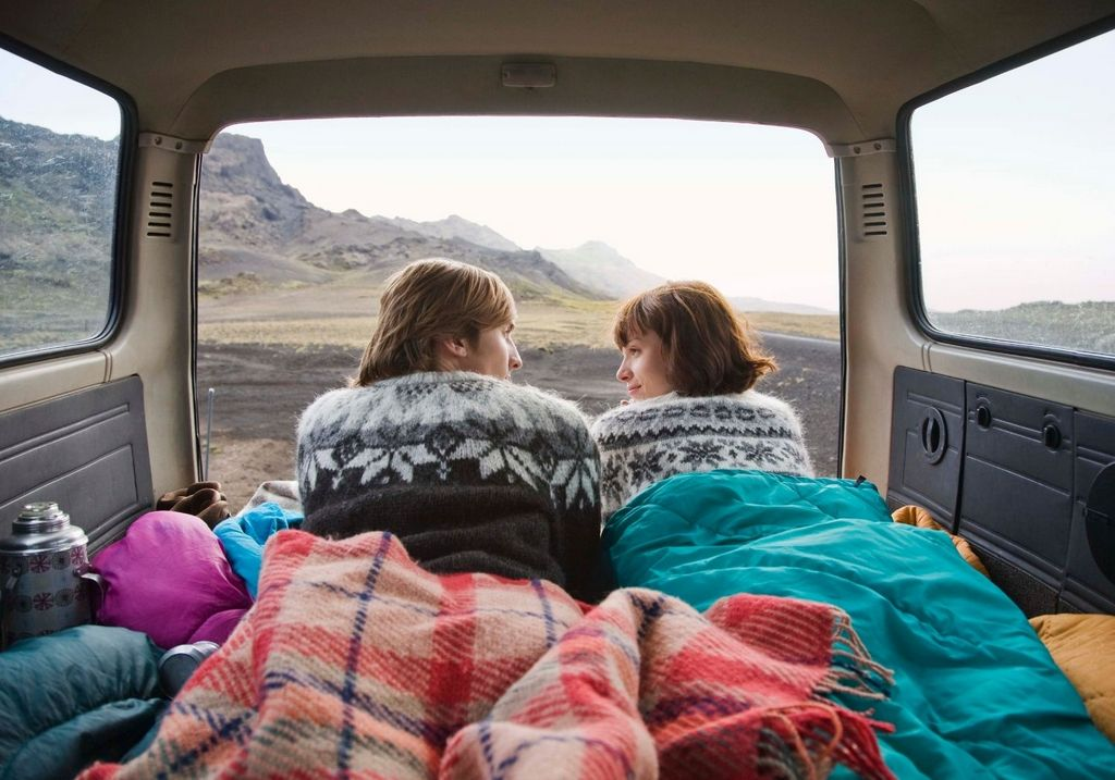 Car camper Iceland couple drive RF