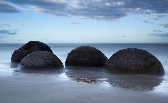 Things to do in New Zealand Moeraki Boulders