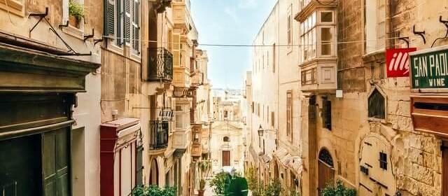 5 Shots You Need to Get When Visiting Malta (Malta Photo Ideas)