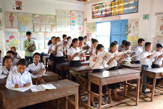 Cambodian school children in Koh Chen