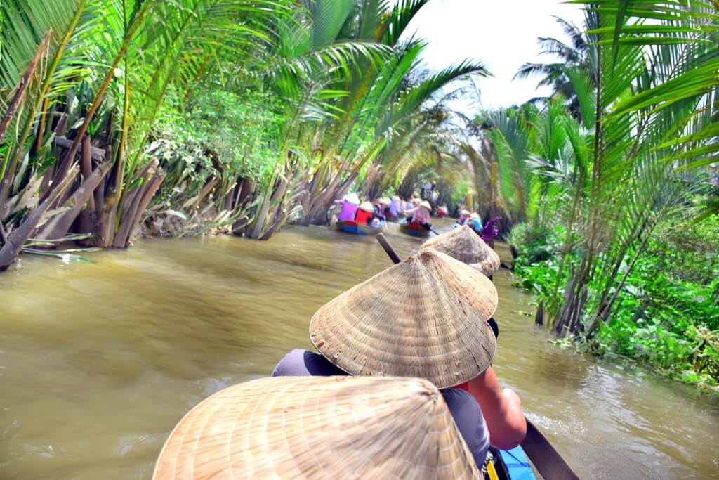 Vietnam Rowing Sampas Canals
