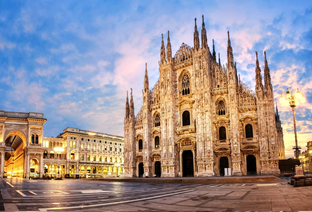 Milan Cathedral Italy RF