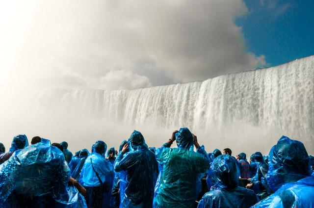 Niagara Falls Crowds RF