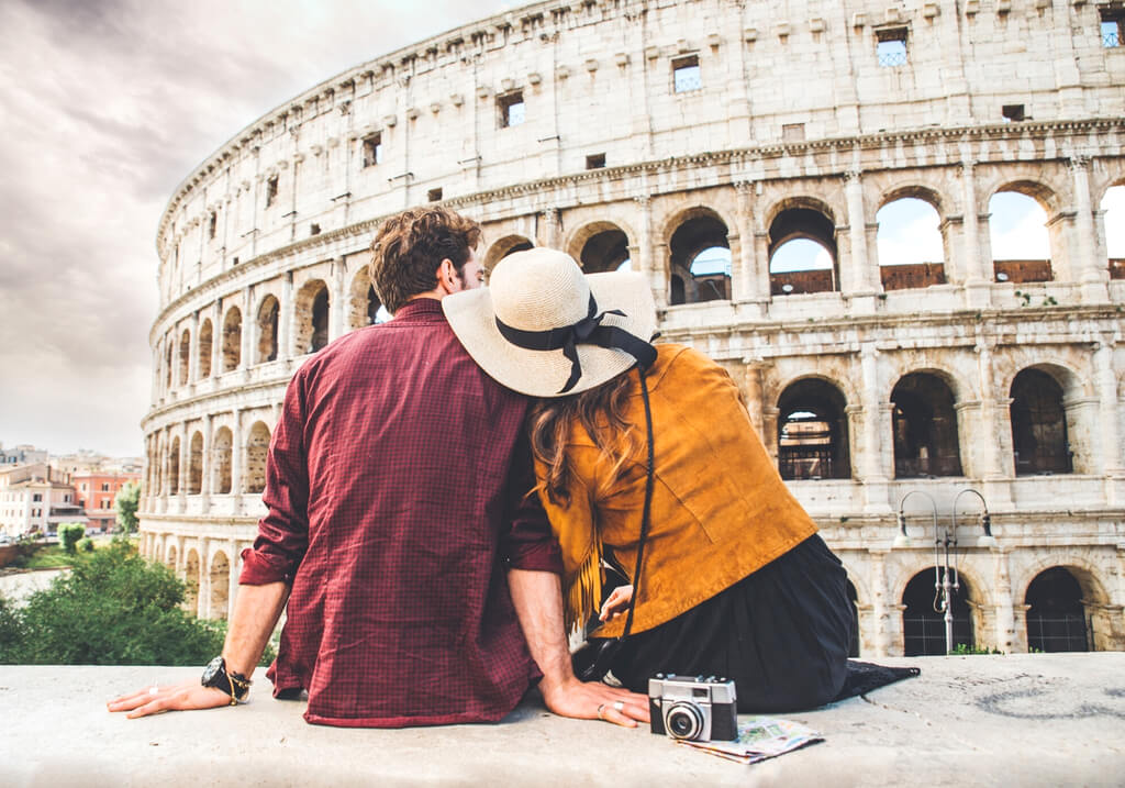 Rome Colosseum couple love RF
