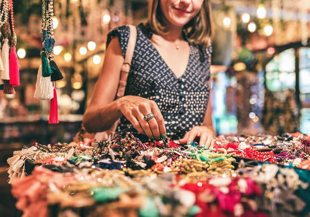 Grabr Review Making Money as an overseas shopper shopping