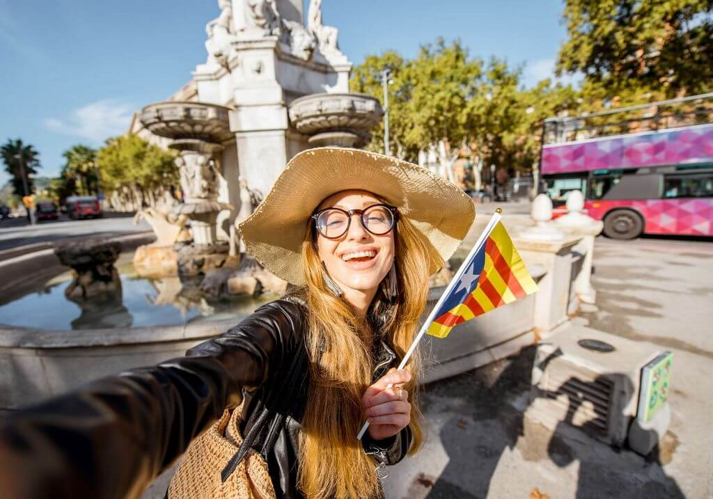 Barcelona solo female traveler RF