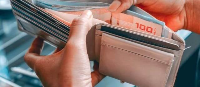 How to be Smart When Spending Money Overseas