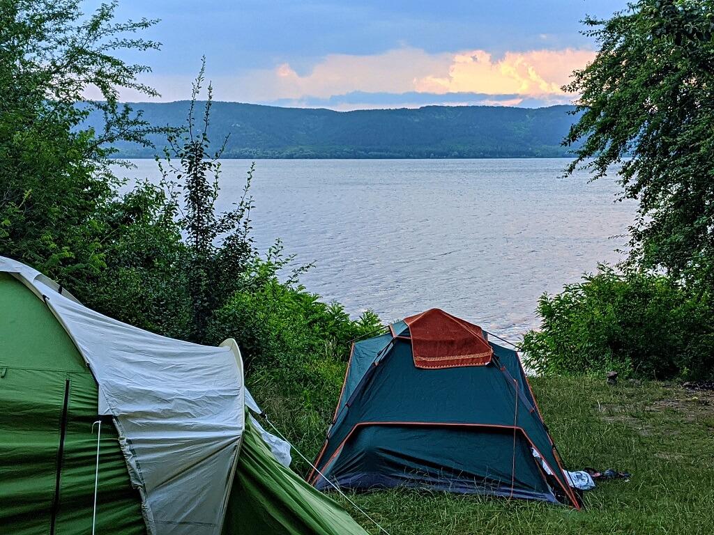 Bakota-tents-sunrise Camping in Ukraine