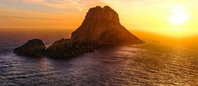 The Natural and Relaxing Side to Ibiza (Travel Guide!)