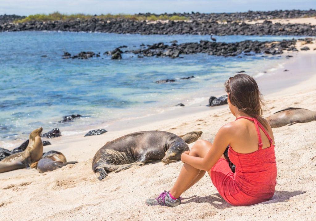 Galapagos women RF