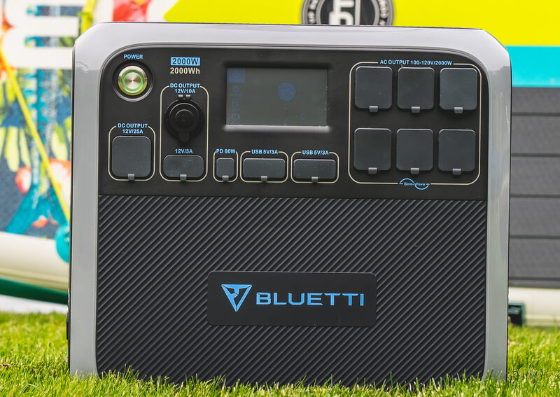 Bluetti AC200P Portable Power Station Review 1