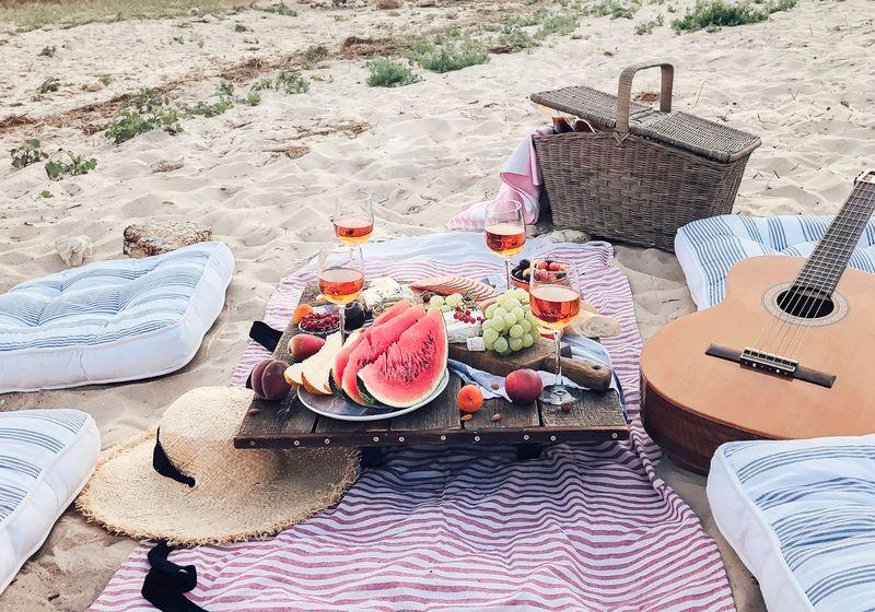Beach food picnic RF
