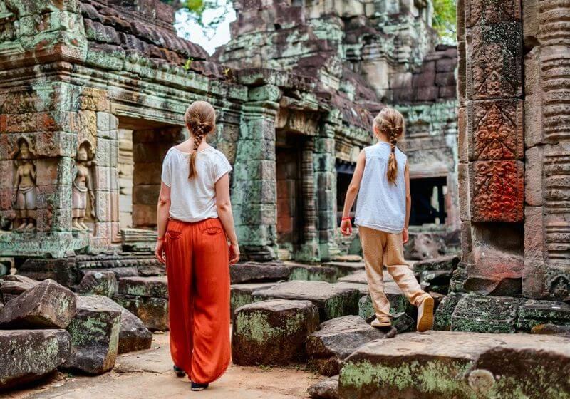 Cambodia temple family RF