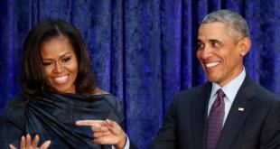 أوباما يزور بلده الأصلي ويرقص مع جدته.. شاهد