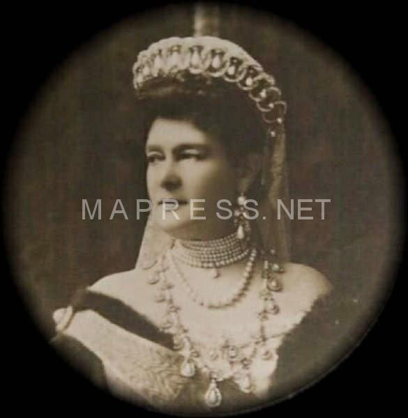 Image result for vladimir tiara was smuggled out of Russia in a pair of Gladstone bags