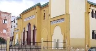 سكان عين الشق يستنكرون منعهم من الصلاة في مسجد الخير بالبيضاء