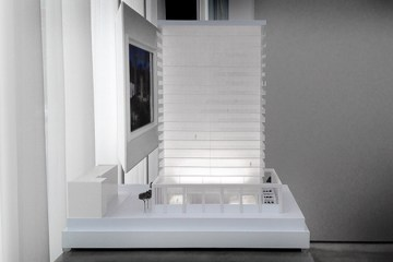 YOO Montreal Model - Lateral view