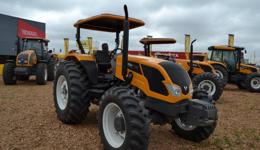 Valtra ratifica el proceso de nacionalización de tractores y cosechadoras