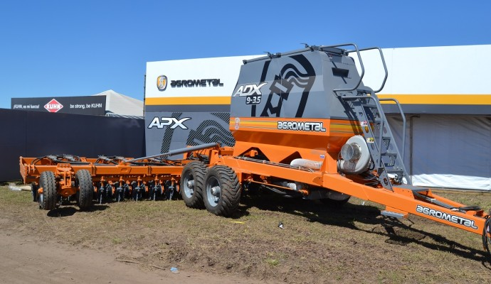 Agrometal le apunta al trigo con la sembradora ADX
