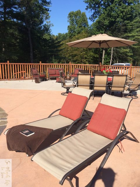 summer-tour-outdoor-living-lounge-chairs-somuchlifetolive