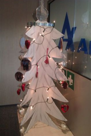 Xmas tree for the employees of Apotex NL