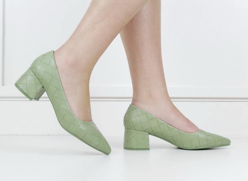 Tropez 70-6 weave embossed pointy on block heel green