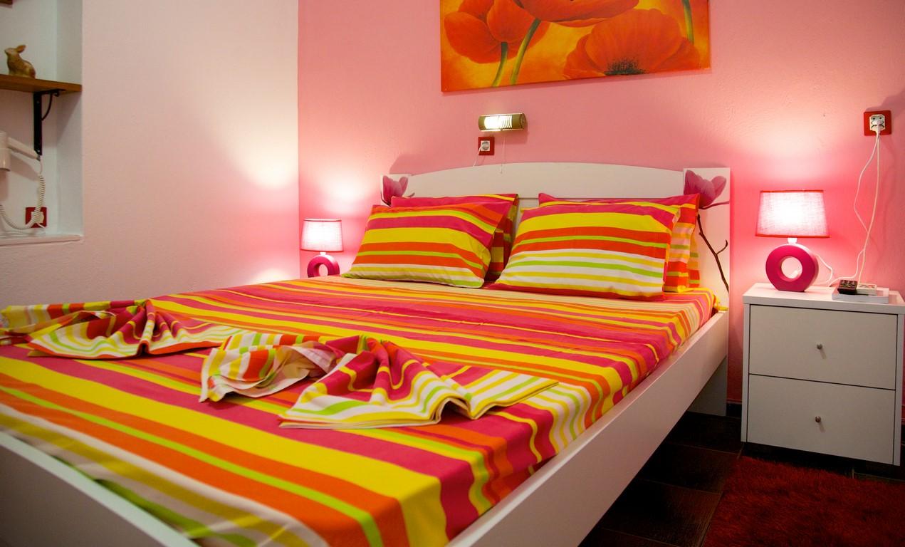 Maras Marinas home  Red Apartment