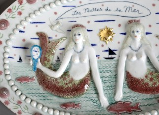 """Les Belles de la Mer"" 2012. Wall relief sculpture. 13"" x 19"" x 2"" High fired porcelain,gold leaf"