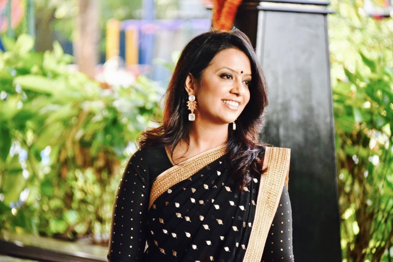 Amruta Fadnavis Wiki Biography Parents Biodata Age