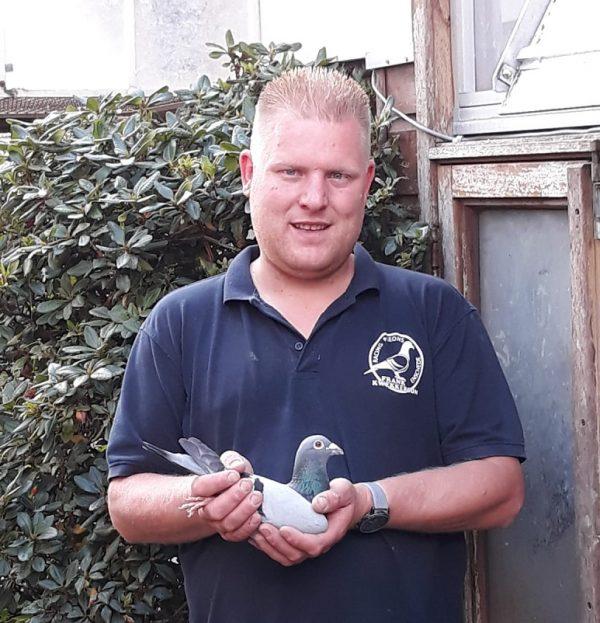 Frank Kwekkeboom, Enschede, wint Dax in sector 3