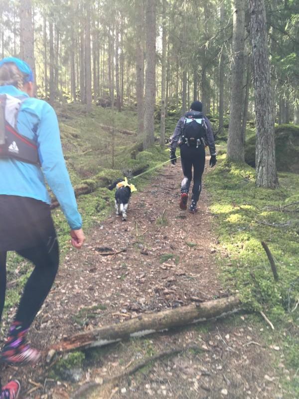 Påskaftonslöpning i Läggesta med Annelie och Jan-Erik. Foto: privat