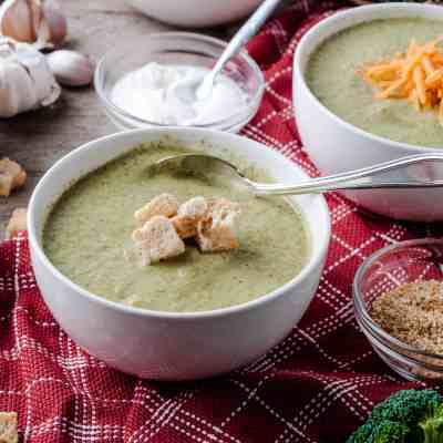 Vegetarian Cream of Broccoli Soup