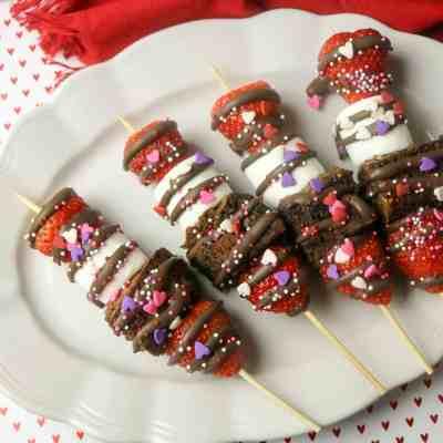Chocolate Strawberry Dessert Sticks