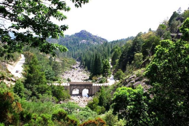 Ponte do Rio Arado no Gerês