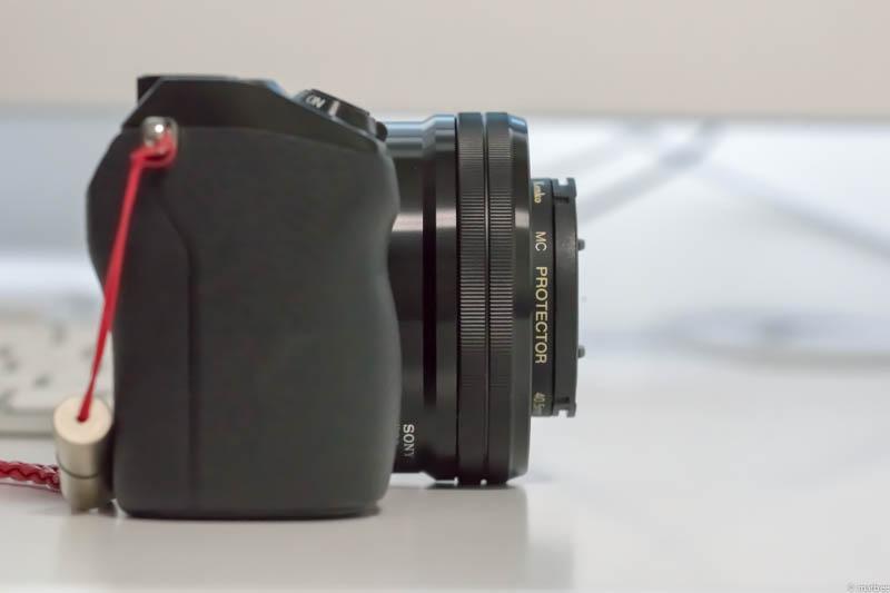 E PZ 16-50mm F3.5-5.6 OSS(側面収納時)