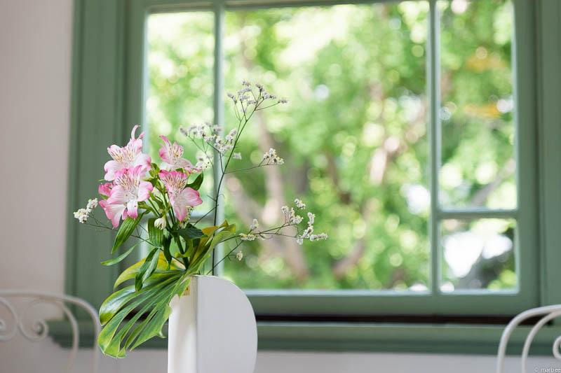 ブラフ18番館花瓶
