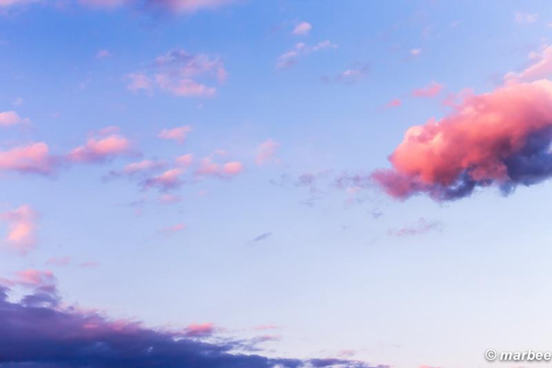 何気ない夕焼け 平和な空
