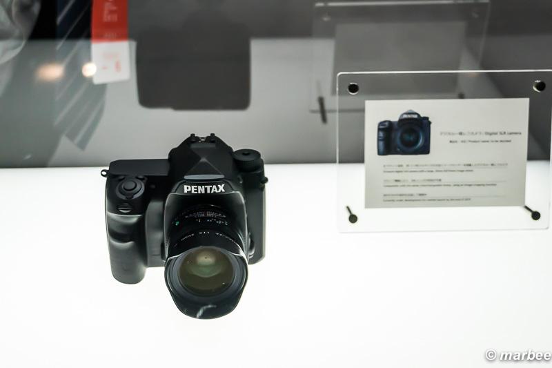 Kマウント フルサイズデジタル一眼レフカメラ モック 展示