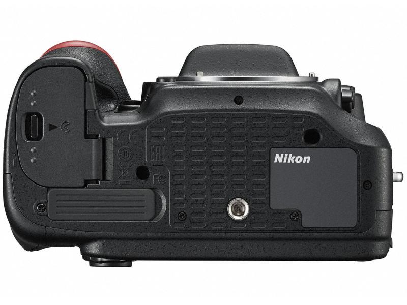 Nikon D7200 底面