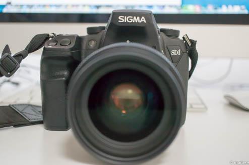 SIGMA35mmF1.4_DG_HSMをSD1Merrillに装着(前面)